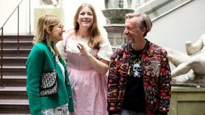 Helene, Elsa och Ernst Billgren gör en reality-tv.  Foto: SVT Play