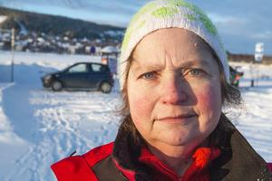 Lena Glingborg tycker att Försäkringskassan sparkar undan benen på henne genom att ge henne avslag på sjukpenningen.