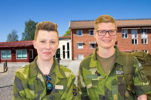 Ljusdals kommuns handläggare för beredskap Lotta Nilsson och Svenska lottakårens Helen Forsblom besökte på tisdagen Färila skola för att prata krisberedskap med barnen. (Bilden är ett montage)
