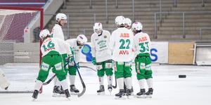 En del spelare i VSK kan få pröva på ovana positioner under premiären mot IFK Vänersborg.