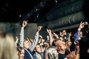 Mycket folk på Rockfesten på Falun bowling & krog.