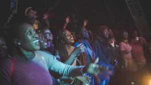 Publik under Oscar Soul Experience's spelning. Festivalen lockade 1 000 personer i år. Foto: Filip Grgin