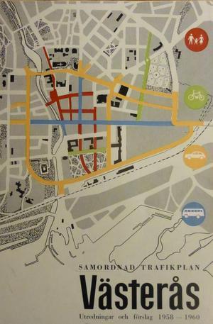Principen för den trafikplan som under 1960-talet förverkligades i Västerås framgår av illustrationen på utredningens omslag. Samtidigt som den visar en total brist på hänsyn i förhållande till den kulturhistoriskt värdefulla miljön kring Domkyrkan.
