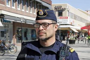– Magkänslan sade mig att den omhändertagne mannen inte bara var berusad, det var något som var fel, berättar Erik Björklund.