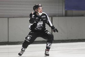 Sandvikens Erik Säfström har gjort 2–0