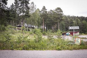 Strax utanför Gällö mot Revsund ligger området där skidtunneln finns inne i berget.