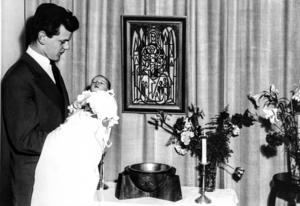 Dopbild från våren 1956 när jag, fotograf Anki Haglund, döptes i dagrummet i gamla sjukhuset.