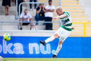 Simon Johansson blev tvåmålsskytt när VSK avancerade till gruppspel i cupen. Foto: Kenta Jönsson / BILDBYRÅN