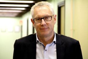 - Vi tvingades minska personalstyrkan kraftigt redan i slutet av föregående år. Tyvärr har den negativa trenden fortsatt vilket medför att vi nu beslutat att inleda förhandlingar om att stänga fabriken, säger vd Jonas Netterström.