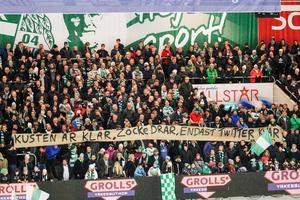 VSK-fansen bandyroll riktad mot Tillbergas avgående klubbchef.