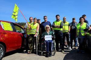 Bild från manifestationen, om det höjda bensin- och dieselpriset, från Nordichallens parkering i Sundsvall.
