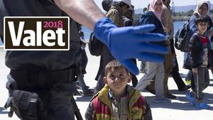 Välkommen eller inte - NA:s läsare tycker att antalet asylsökande är den viktigaste frågan inom migrationspolitiken. Foto: Elin Swedenmark / TT
