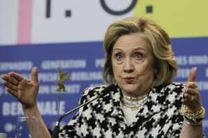 Hillary Clinton anser att EU borde agera för den fängslade svensken Gui Minhai.