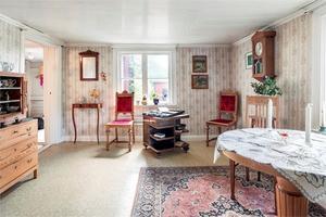 Huset är inrett i gammal stil med många härliga färger. Foto: Anders Storm