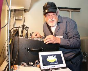 Kent Pettersson agerade tekniker under lördagen men han hade även premiär med sin film här i Sverige i Hasselfors.