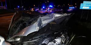 Frontalkrocken på riksväg 90 i Kramfors skedde den 7 september. Fem ungdomar skadades, en flicka ådrog sig livshotande skador. Foto: Räddningstjänsten Höga kusten-Ådalen