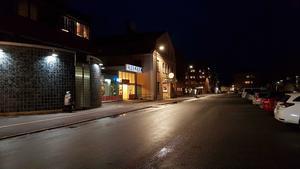 Skolvägen, där både Ica Profilen och Kumlas Spelhörna råkat ut för upprepade stökigheter under hösten.