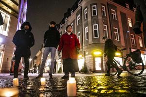 En kväll i förra veckan ordnades en manifestation mot utvisningarna av afghanska flyktingar på Stjärntroget i Östersund.