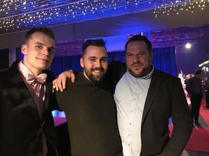 Carl-Johan Andersson, Henrik Nilsson och Oscar Wirås                                                                 – Vi kommer från Virkeslogistik. Personal från hela Mellansverige är här och vi hoppas på fest!