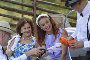 Nostalgishow, Solveig och skådespelardottern Cecilia Kyllinge i mitten. Foto: Bo Gunnarsson