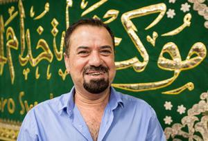 Abbas Alshikarchi deltog i valfrukosten på Karbala center i Baronbackarna på söndagen. Han arbetar med demokratifrågor för studieförbundet NBV.