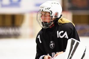 VSK-målvakten Sara Carlström har fyra SM-guld med Kareby sedan tidigare.