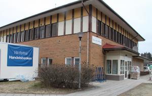 Måndagen den 2 mars är i dagsläget det preliminära öppningsdatumet för Handelsbanken i de nya lokalerna vid Djurås torg.