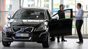 Det nya beskattningssystemet för bilar, det så kallade Bonus-malussystemet, som infördes 1 juli har lett till en tvärnit för nybilsregistreringen.