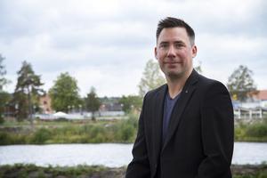 Daniel Didricksson (L) lämnar kommunstyrelsen.