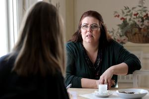 Carina Höglund berättar att hon tänker på Engla varje dag, men inte lika ofta som den första tiden efter mordet.