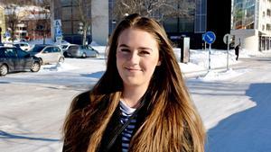 Nellie Sundström, 20 år, telefonrådgivare, Sundsvall: