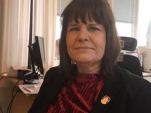 Lena Friberg är chef för sektor socialtjänst på Skövde kommun och den som leder krisgruppen som samordnade kommunens insatser under branden i Södra Ryd. Nu svarar hon på kritik som kommit från personer som drabbats i branden.