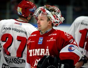 Fredrik Andersson vaktade Timråmålvet i förlustmatchen mot Modo (2–3) 22 februari 2003. Annars fick han mest vara reserv till Kimmo Kapanen den säsongen. Bild: Mathias Lindqvist