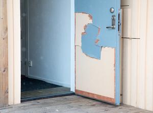 Dörren lagades provisoriskt efter händelsen.