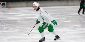Anfallaren Joel Engström har gått från klarhet till klarhet och spetsade konkurrensen längst fram ytterligare.