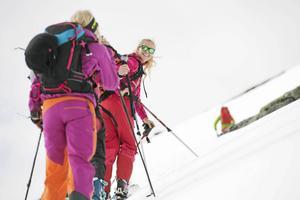 Johanna Nygård vill utöka verksamheten med nya destinationer. Här är hon på topptur i Norge och framöver kan det bli skidresor dit.