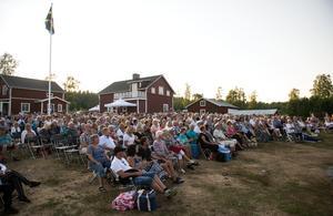 Över 1100 personer kom på avslutningskvällen av Allsång på Tynderö. Se alla bilder längst ner i artikeln.