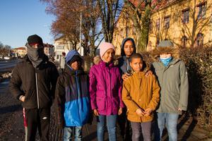 Femteklassarna från Ljusdal,  Muhamud Ahamed Gele Sala, Ahmed Abdi Yussuf, Aisha Bashir,  Azam Malla,  Naeb Habtislasie och Yara Ayroutc önskade sig inte en mobillåda i julklapp.
