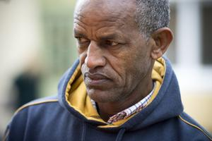Melake Andom har i månader varit rädd för att hans fru inte ska kunna ta sig ut ur huset om det börjar brinna.