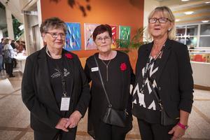 Marie-Louise Holm, Lisbeth Oscarsson och Anita Fälldin var publikvärdar denna lördagskväll.
