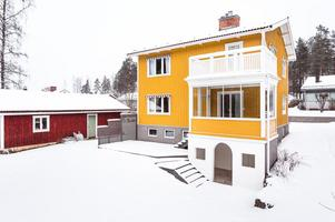 På femte plats på Dalarnas Klicktoppen, för vecka 5, hittar vi denna villa i Stenslund i Falu kommun. Foto: Kristofer Skog