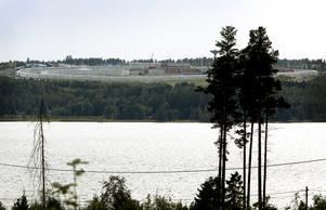 De 181 platserna på Saltvik är inte tillräckliga, för att ta hand om alla brottsdömda.