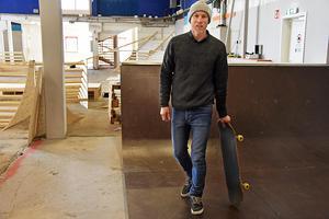 Magnus Lindström ingår i den kärna av personer i 35-40-årsåldern som är drivande i att etablera en skatehalll i Östersund.