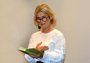 Under besöket i Sundsvall läser Lena Endre texter på temat demokrati. Samtalskvällen under hashtaggen #vimåsteprata är ett arrangemang av Medborgarskolan.