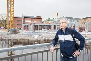 Lars Hilmersson, verksamhetschef bibliotek och kulturskola, svarar på Peter Ekströms debattartikel om Kulturkvarteret.
