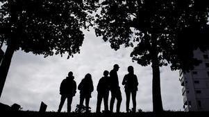 Samhällets samlade krafter – skola, socialtjänst, polis, rättsväsende och kriminalvård – behövs för att bekämpa brottsligheten, skriver (S) i insändaren. Foto: Jonas Eriksson