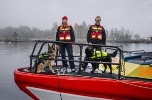 Linda och Lars har tillbringat mycket tid på sjöräddningens båtar de senaste åren.