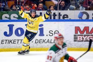 Mattias Tedenby efter sitt ledningsmål. Foto: Stefan Lantz/BILDBYRÅN