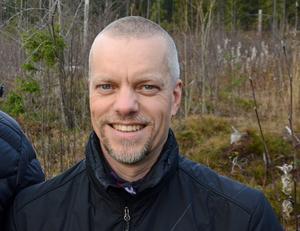 Stefan Wassbrink är energicontroller på Mitthem. Företaget jobbar med miljöfrågor på flera plan. I projektet Hållbara tillsammans har över 600 personer gått en kurs i hur man kan leva mer resurssnålt.
