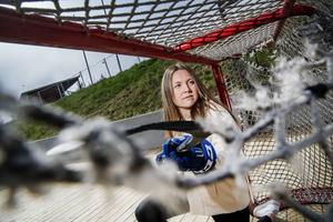 Leksands Hanna Sköld deltog i tandskyddsprojektet som syftar till att minska hjärnskakningar inom ishockeyn.